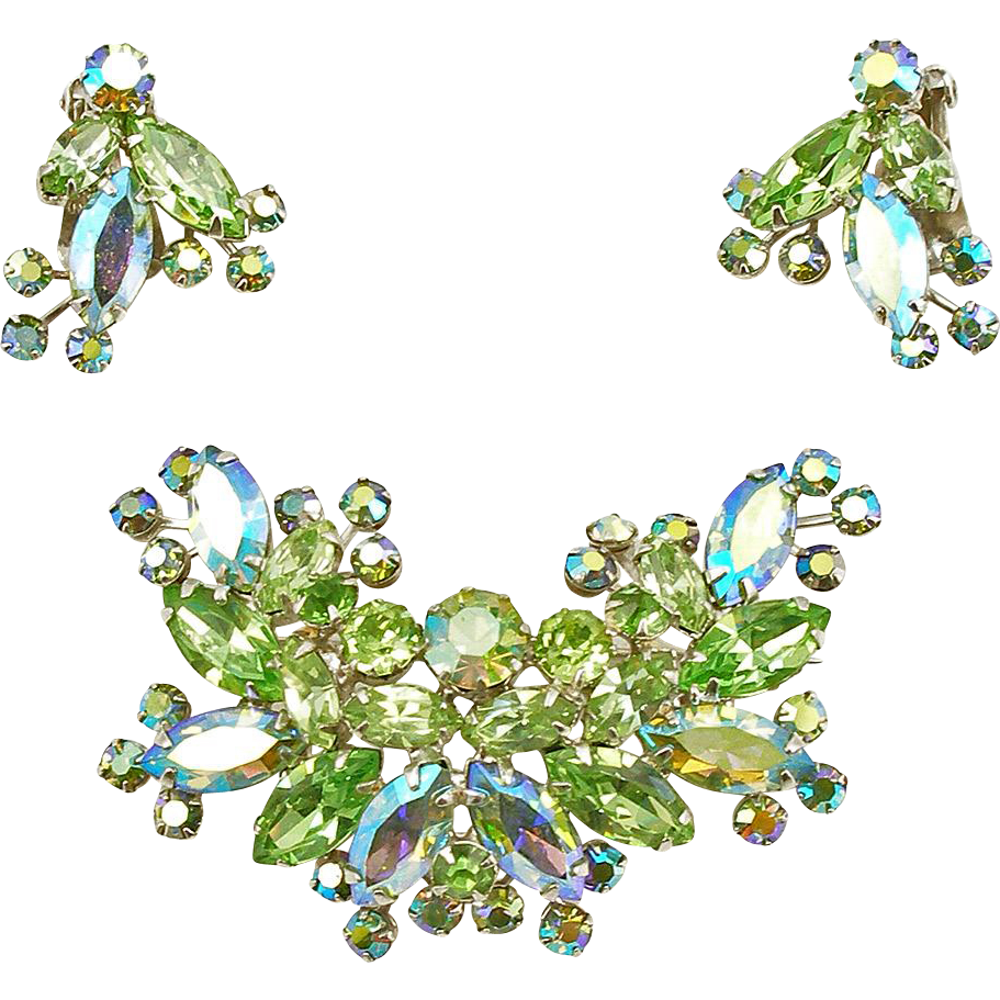 Signed Vintage Weiss Peridot Green Rhinestone Floral Demi Parure