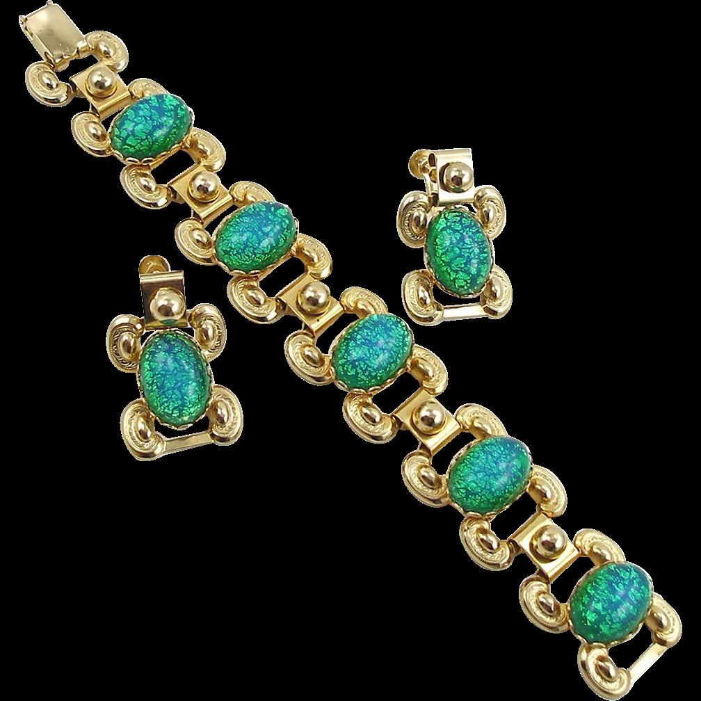 Unsigned Emerald Green Cat's Eye Bracelet & Earrings