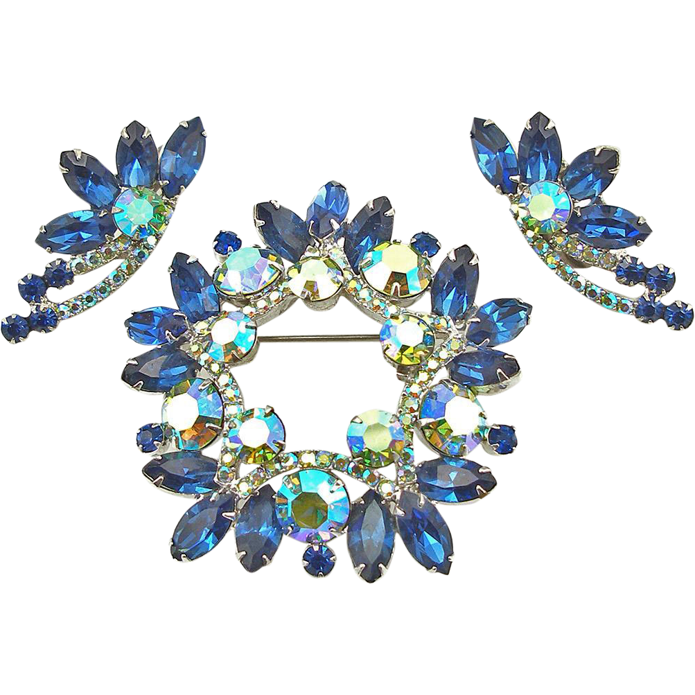 Vintage DeLizza & Elster Sapphire Blue Rhinestone Wreath Set