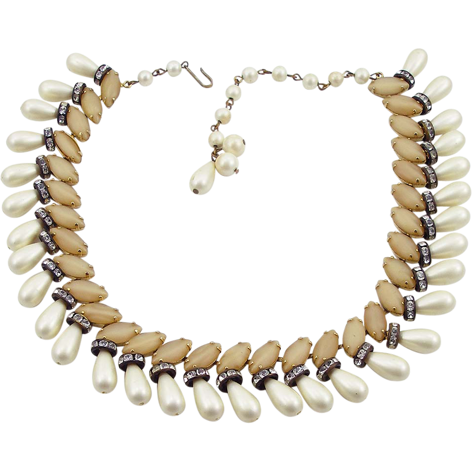 Vintage Hobe Faux Pearl Necklace