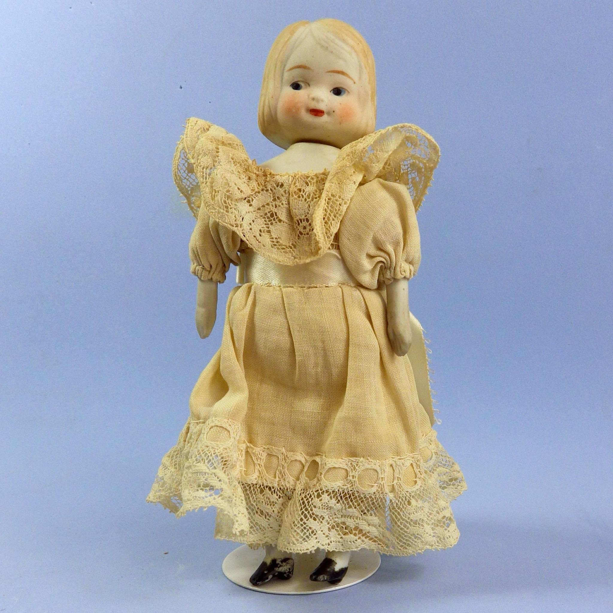 Rare Swivel Neck Japan Doll, Great Dress!