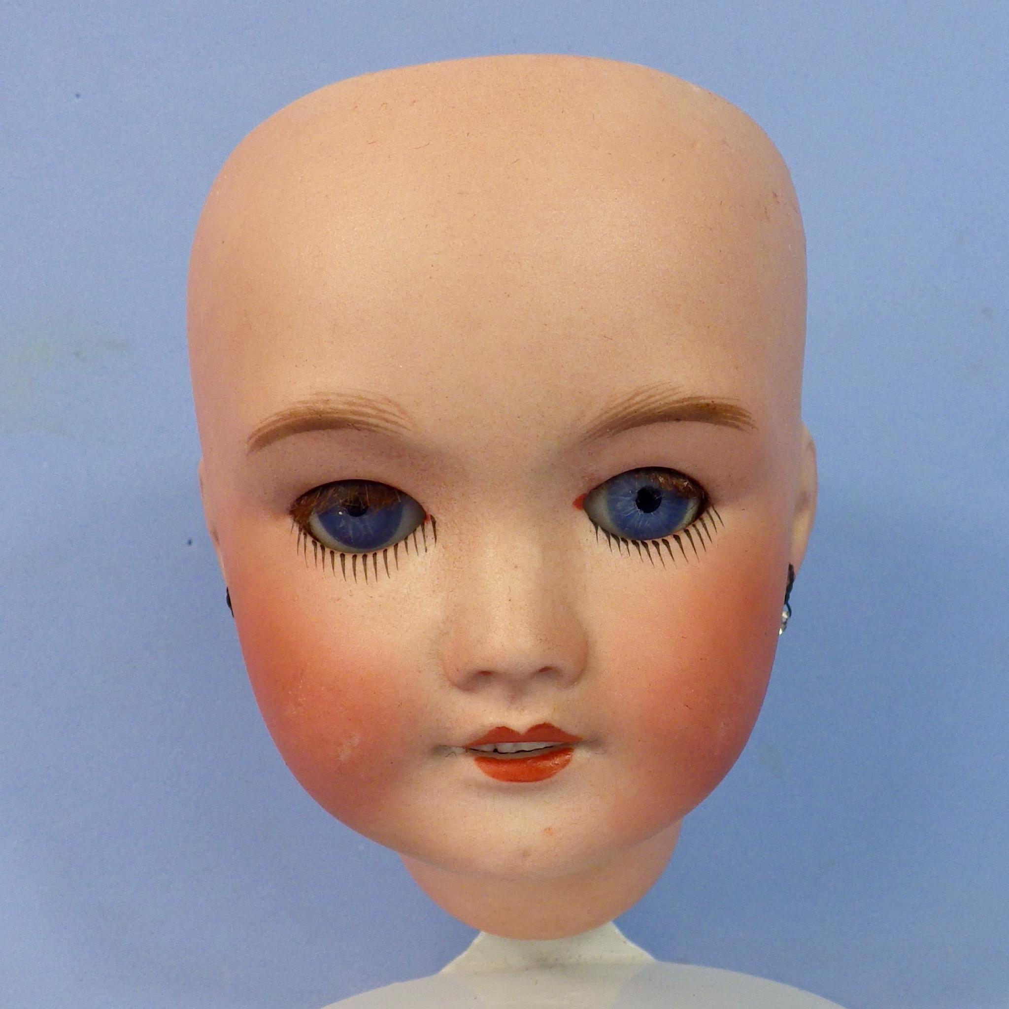 SFBJ 301 Head, Sleep Eyes, Mohair Lashes, Size 5