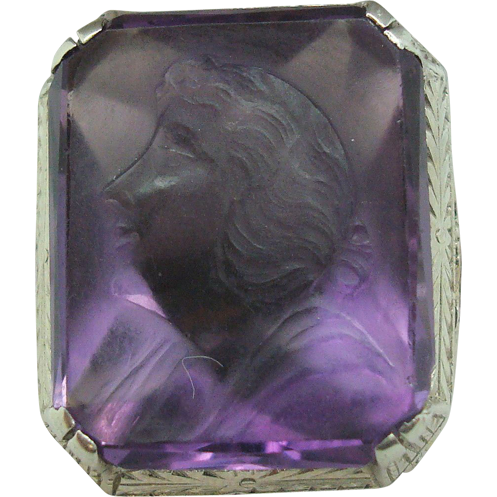 18 Karat Carved Amethyst Cameo Ring