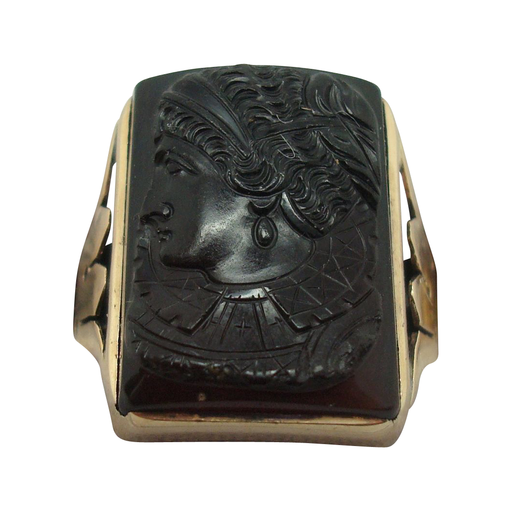 Rose Gold Ring with Onyx Cameo