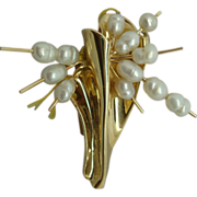 Modernistic Freshwater Pearl Pin