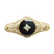 10 Karat Round Black Onyx Pin with Diamond