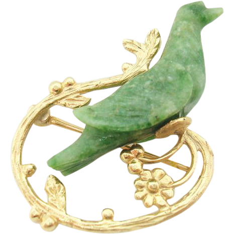 14 karat Pin with carved Jade Bird