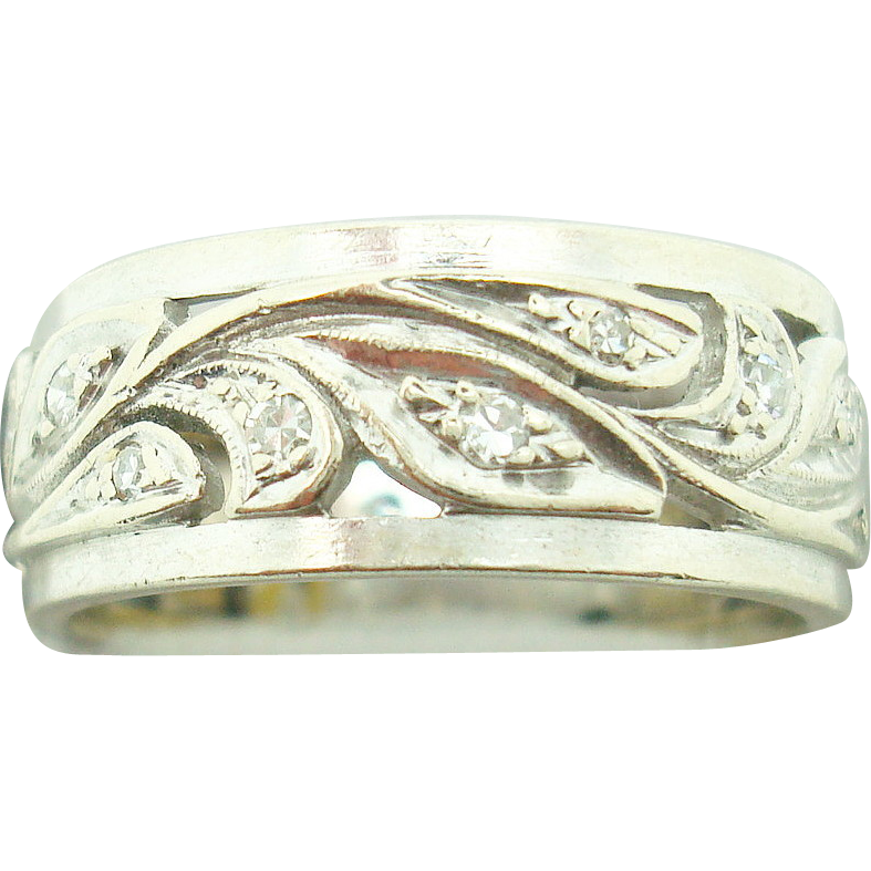 14K Carved Leaf Ring Band w Diamonds