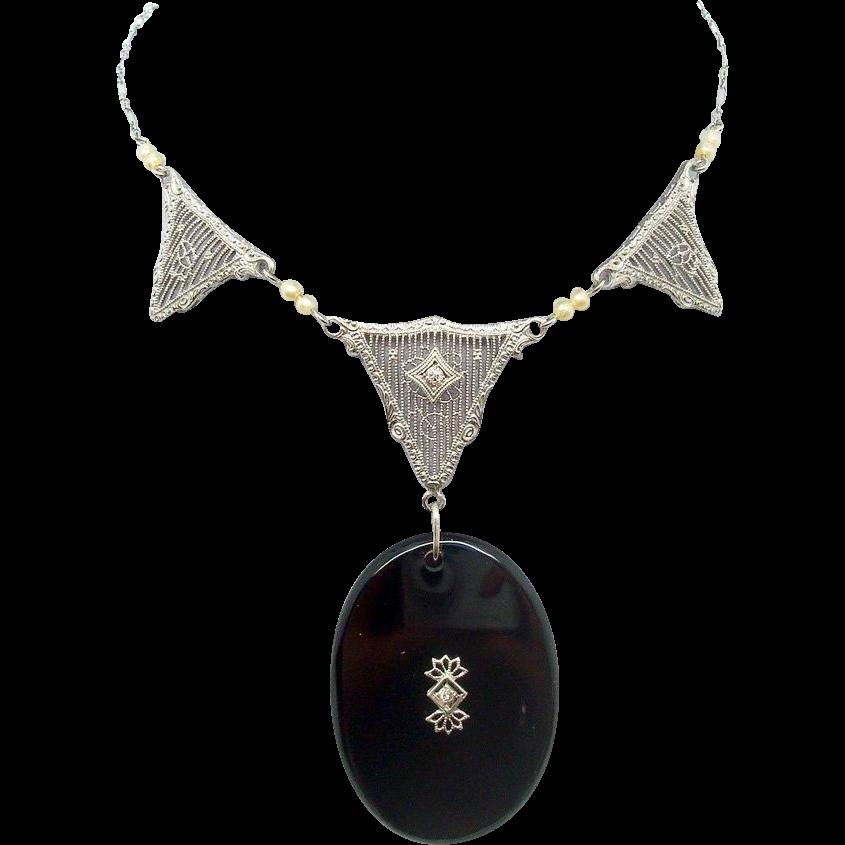 10 Karat Gold Filigree Genuine Natural Onyx Necklace with Diamonds