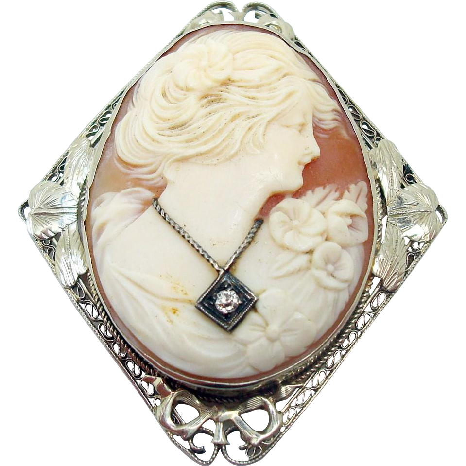 14 Karat Oval Cameo Pin/Pendant with Diamond