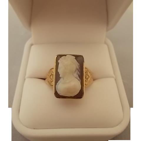 Exquisite Victorian 14 Karat Agate Stone Cameo Ring