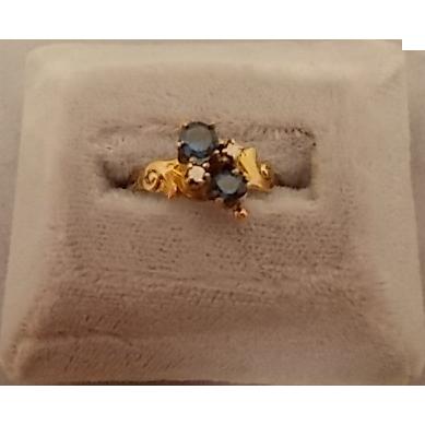 Victorian 10 karat Sapphire Ring with Rose cut Diamonds