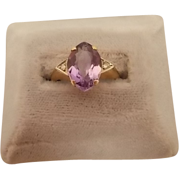10 karat Retro Marquise Amethyst Ring with Diamonds