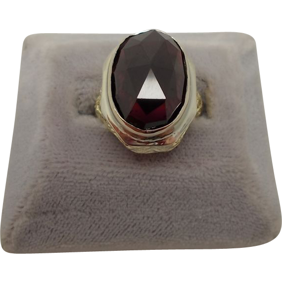 14 karat Filigree Ring with Large 13.4ct Garnet