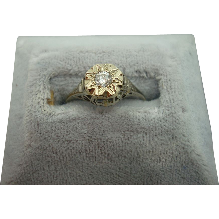 14 karat .13ct Diamond Filigree Ring