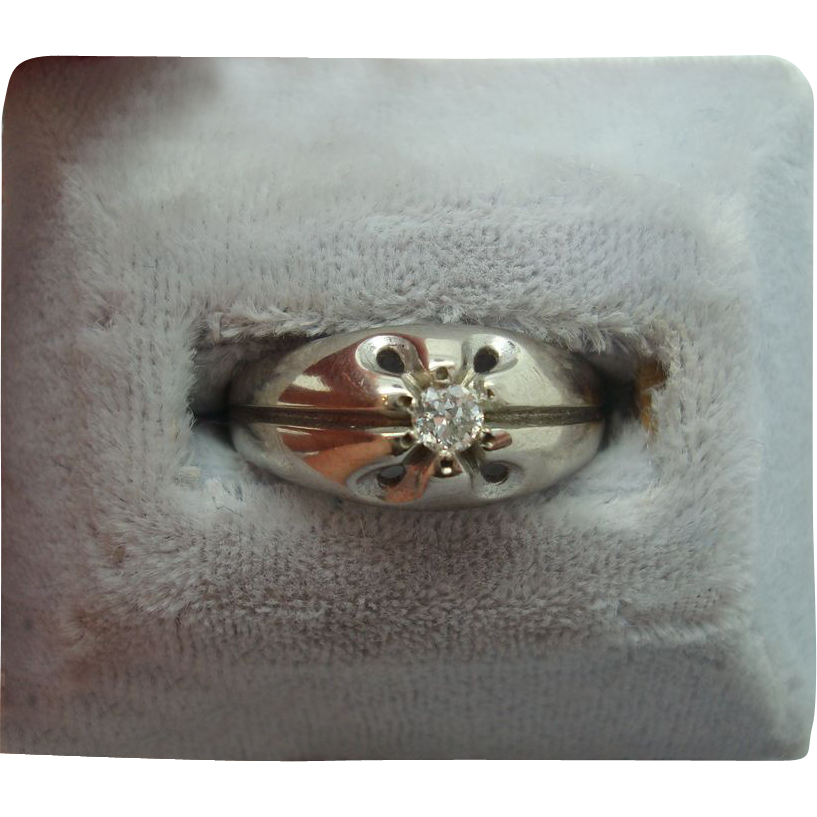 10 karat Round .10ct Diamond Ring