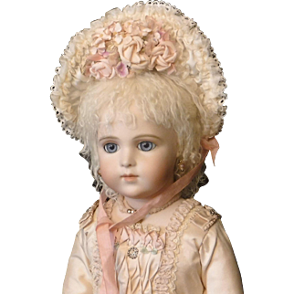 Wired Silk Bebe Doll Bonnet