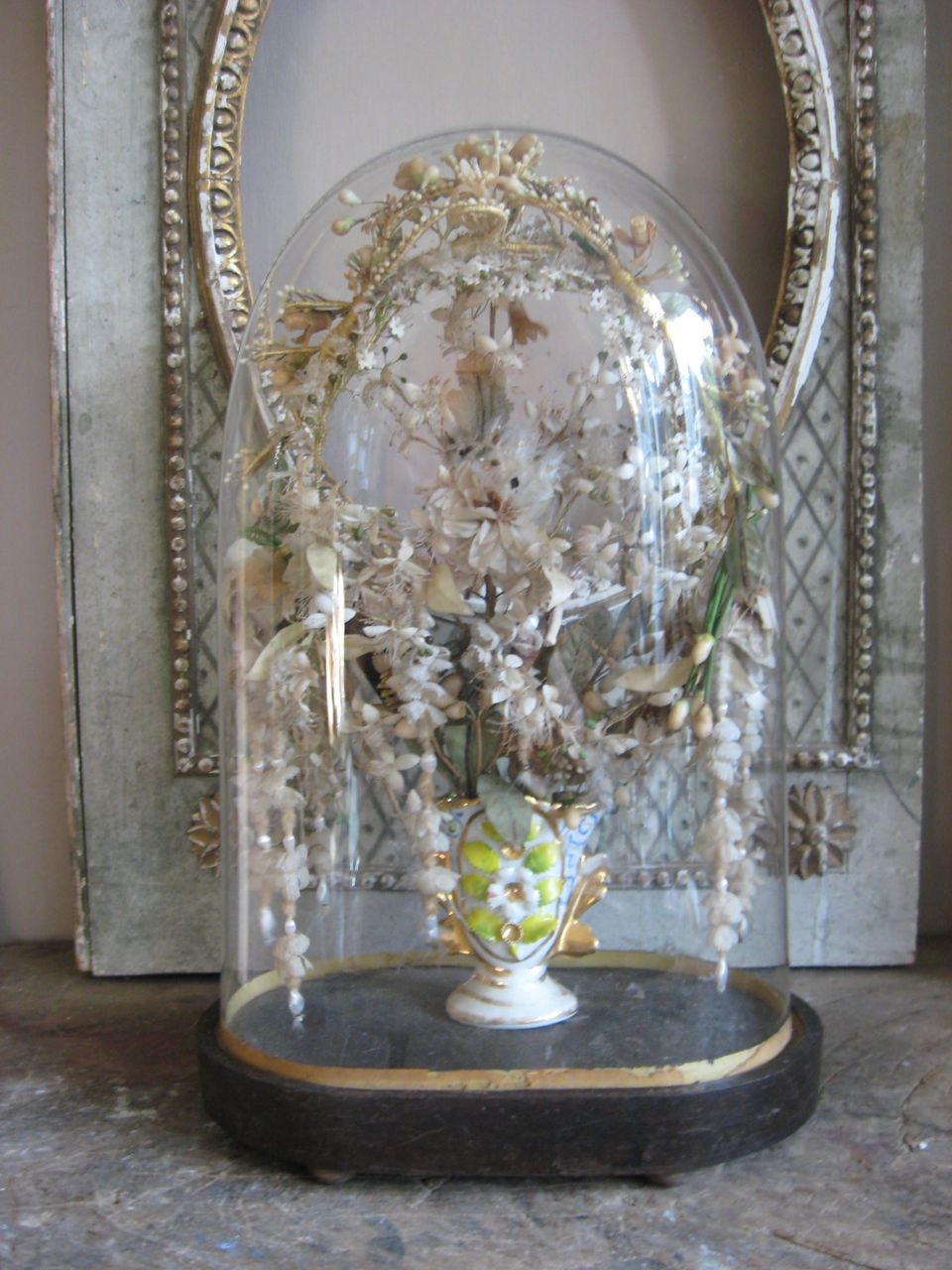 "Beautiful Ornate Glass dome with a vase ""Porcelain Vieux de Bruxelles"" with great wax- and other flowers in."