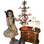 Beautiful antique Christmas tree for your dolls...