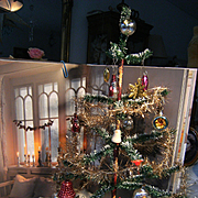 Beautiful feathertree Christmas tree for at your dolls....