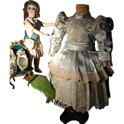 What is this...... This is a gorgeous French dress from Paris for your antique doll~~