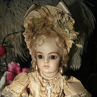 Look at this......Beautiful little French dress and hat for your antique doll from 34cm or 13,4 inches.
