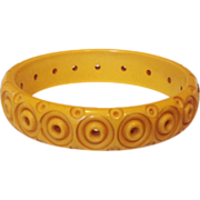 Vintage Carved & Cut-Through Mellow Butterscotch Bangle Bracelet