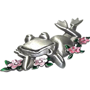 Happy Frog in Flowers - JJ pin brooch - pewter and pink