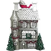 House Decorated for Christmas - Sleigh on Roof - JJ pin brooch