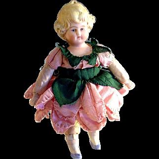 Hertwig shoulder head Girl~ 7 inches~ Darling dress~