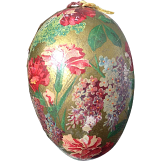 Paper  Egg~ gold w floral~ Emerald Toe Hosiery~