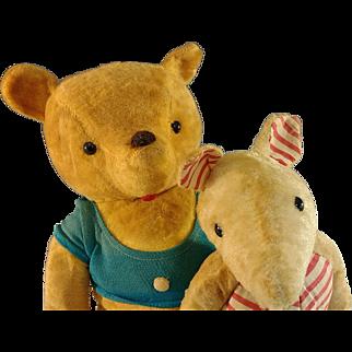 Winnie the Pooh bear & Piglet ~  1963 Knickerbocker ~ A.A.Milne ~ S. Slesinger, Inc