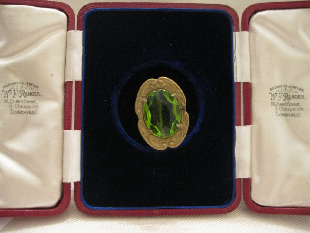 "Vintage ""Peridot"" Paste Brooch"