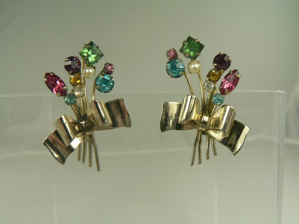 Coro upside-down bouquet earrings