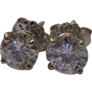 Estate Sale 14kt Round Brilliant Diamond Earrings