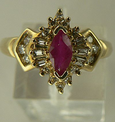 10kt  Gold Ruby Diamond Ring - Size 6.75.