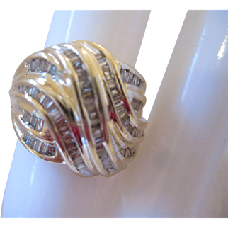 10kt Diamond Swirl Ring