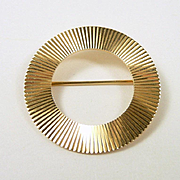 Tempting Tiffany and Co. Vintage Gold Circle Brooch c. 1960