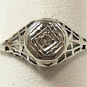 Delightful Edwardian/ Art Deco Diamond Ladies Petite Ring c. 1915