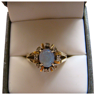 VIintage 14k OPAL And DIAMOND Yellow Gold Ring - Size 8.25