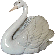 Vintage Lladro Swan With Wings Spread Figurine Sculpture #5231 c. 1983 Retired Spain