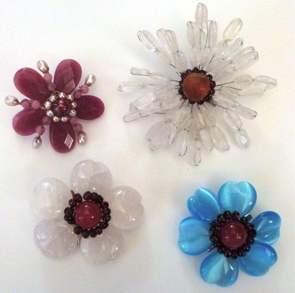 Vintage Flower Pins 70