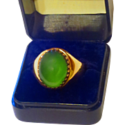 Large 14K Men's Heavy Gold Ring w/ Natural Green Stone
