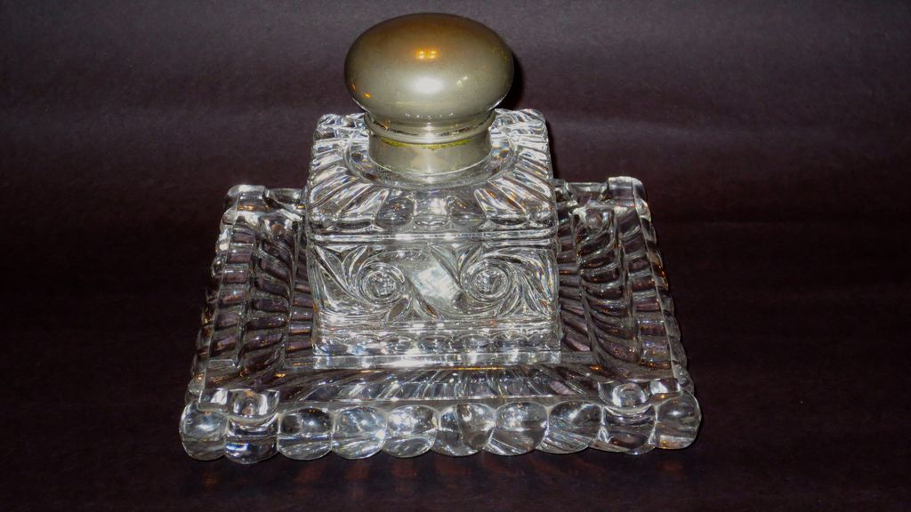 Huge Baccarat Russe (Russian) Pattern Inkwell w/ Undertray