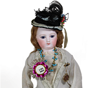 """Paris Find! Lovely Doll Sized French Gold Foil Pin for Bisque Doll """"Je Porte Bonheur"""" (I Bring Good Luck)"""