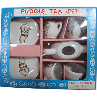 Pudgie Kewpie type doll size tea set