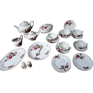 Moss Rose Child's Tea set with original box