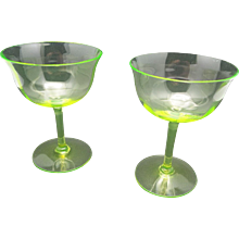 Champagne glasses Vaseline Uranium Optic