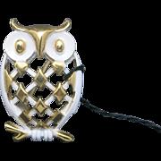 Trifari OWL PIN gold tone WHITE enamel
