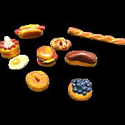 Doll's house miniature Bakery items Bread buns